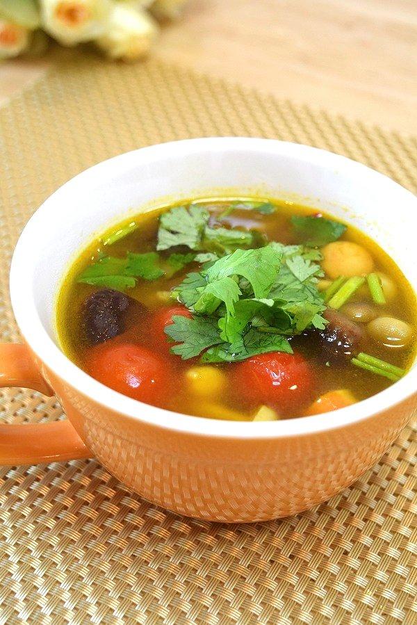 カレー風味♡きのことかぶの食べるスープ♪600