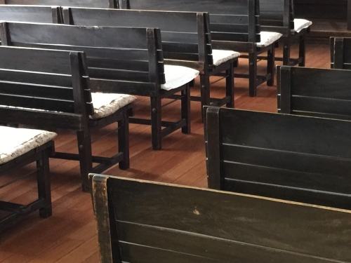 教会の長椅子