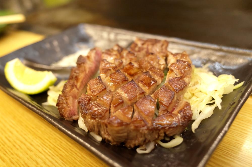 厚切りタンステーキ