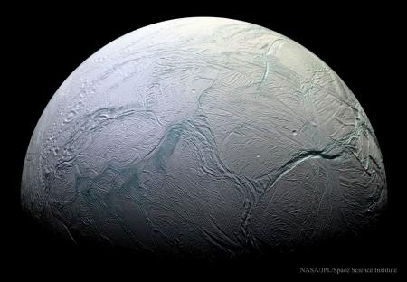 Enceladus05_Cassini_2848 (1200x831)