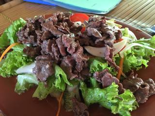 牛肉のサラダ