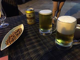 ビールとおつまみナッツ