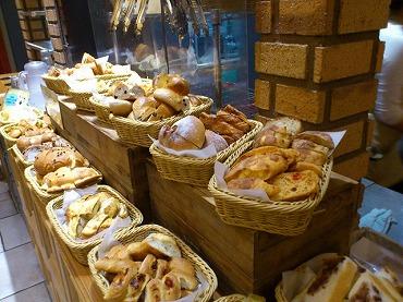 パン食べ放題7