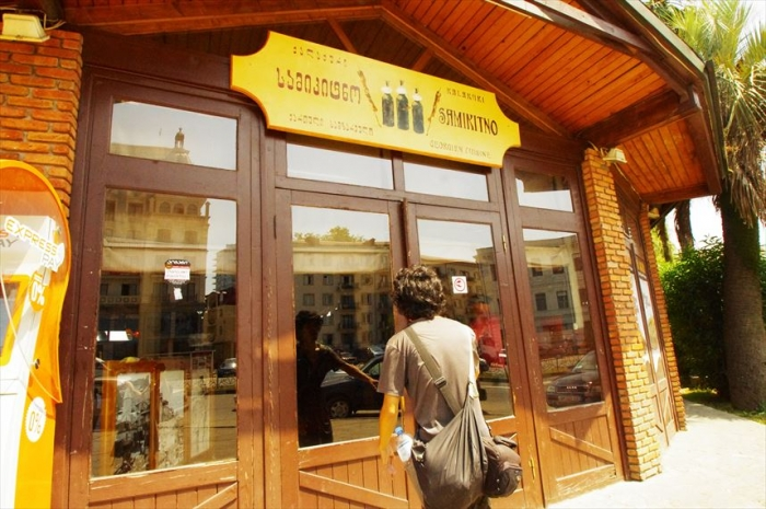 バトゥミのおいしいレストラン (1)_R