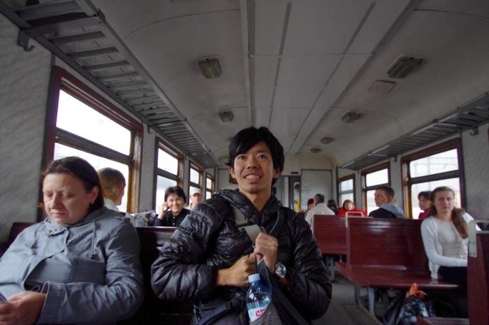 電車でリヴィヴまで (3)