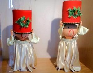 6_22赤帽子の人形