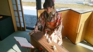 1_7初春琴演奏