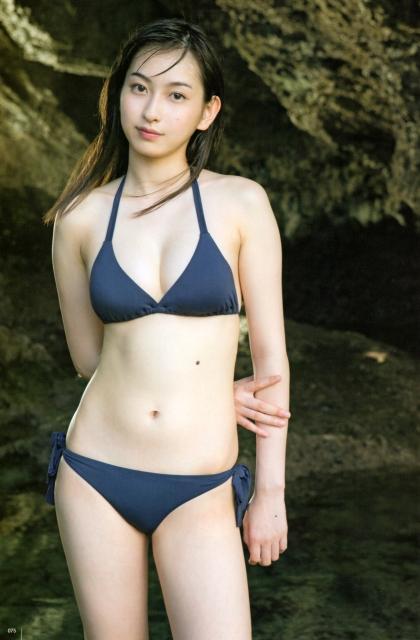 Juice=Juice植村あかりファースト写真集「AKARI」