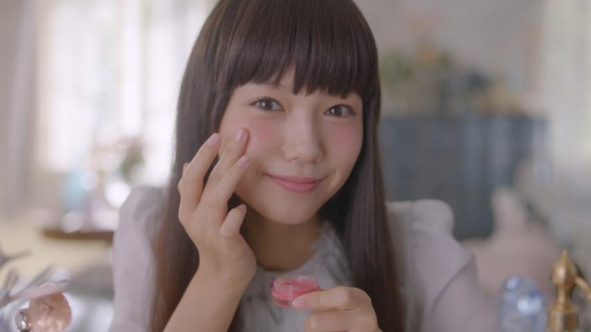 ロート製薬 SUGAO「指先ひとつでチーク&リップ」篇 宮崎あおい
