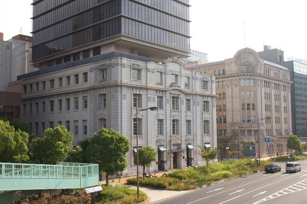 150810_081340海岸ビル・商船三井ビルディング_1200