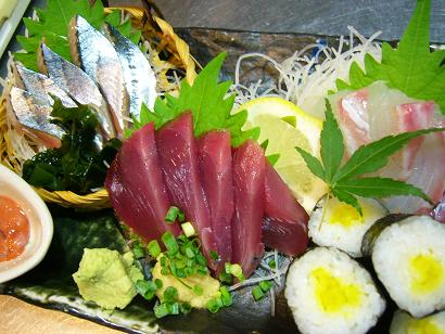 カツオ・秋刀魚秋の刺身盛 (3)