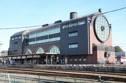 栃木県 真岡駅駅舎 SLもおかの停車駅は独特なデザインで今日も多くの鉄道ヲタを楽しませている。