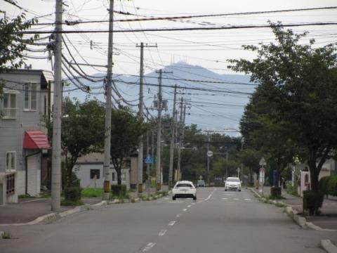 陣川町より函館山を望む