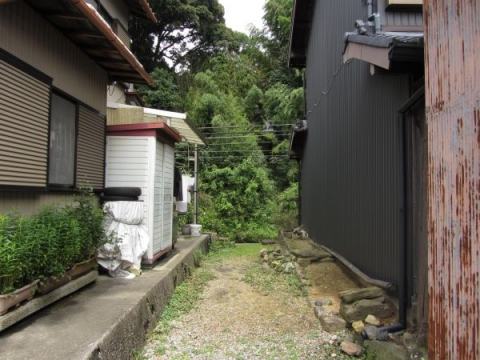 興円寺参道