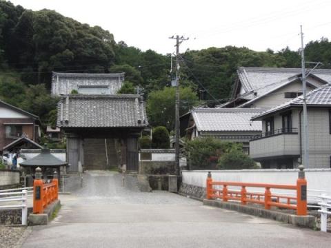 来迎橋と法蔵寺山門