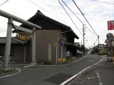 杉森八幡社参道入口