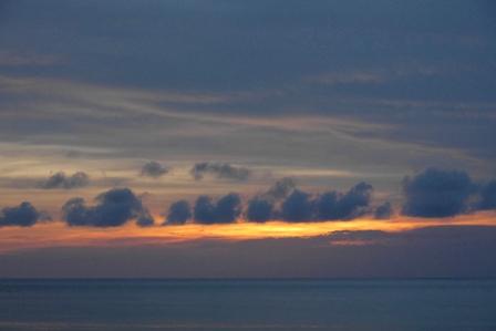 西日没後残照9月6日19時01分 P1070033