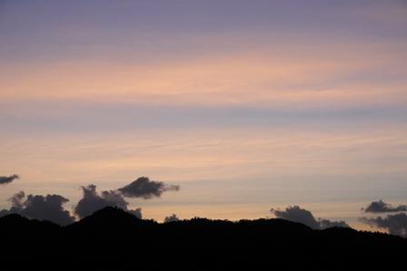朝焼け雲10月15日6時28分 P1080413