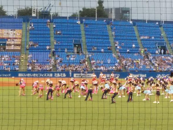 総勢230名のチアダンス