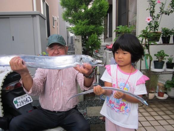 27.9.30興津タチ魚 059_ks