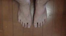 まる米の足