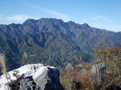 両神山がドーン
