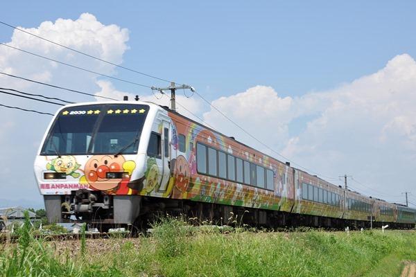 JR四国 特急「南風7号」(アンパンマン列車)