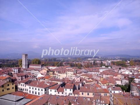 4037565 イタリア ルッカの街並み