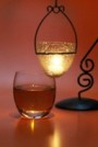 飲み物-お洒落なランプとウイスキーグラス