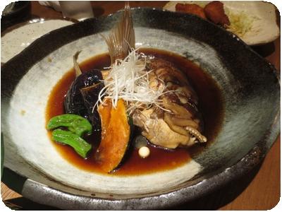 粟島釣り真鯛のカブト煮付け