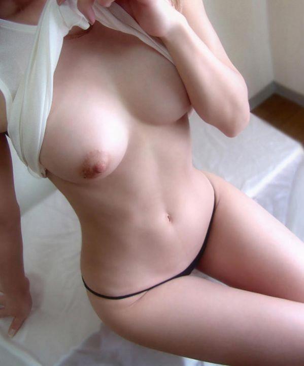 くびれ美人の細くセクシーなウェストの画像71枚の1