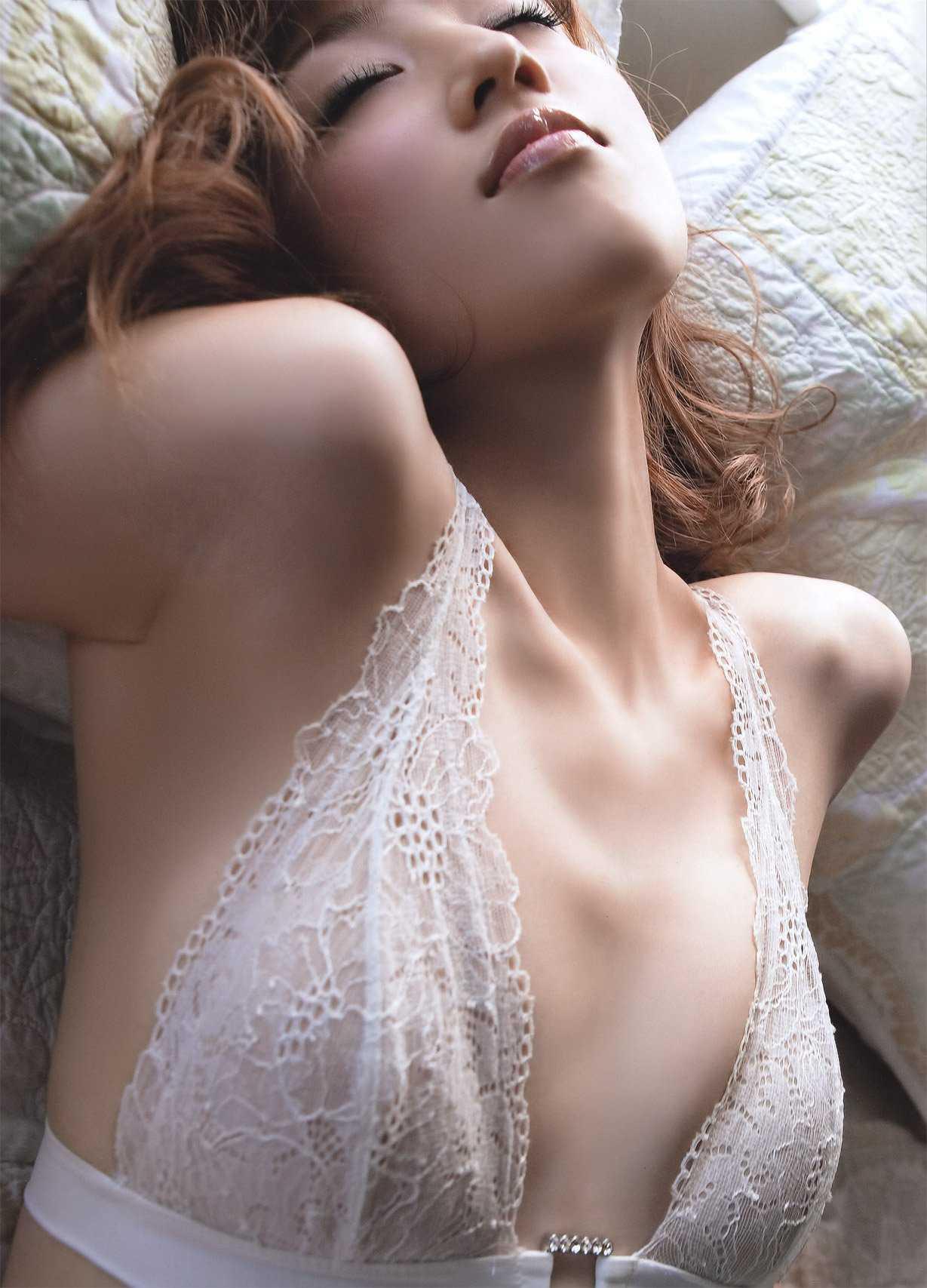 女の腋は22