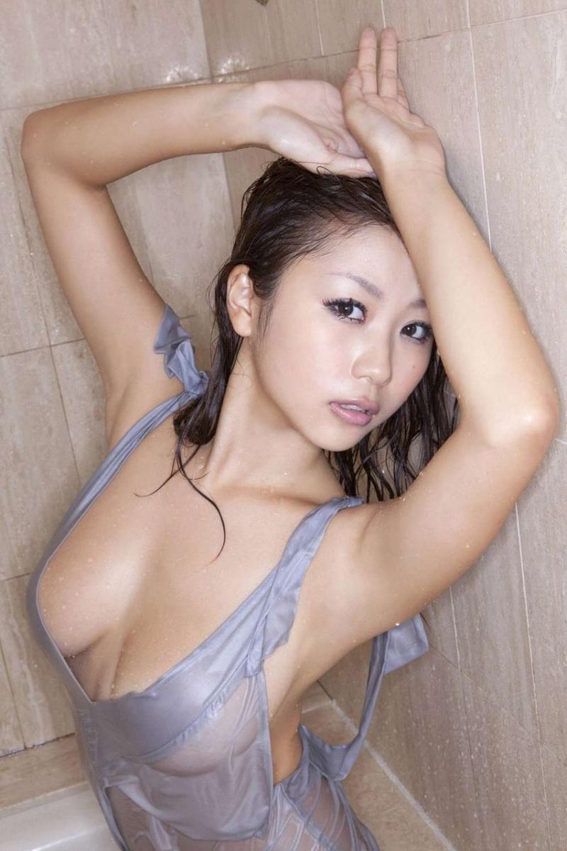 女の腋は25