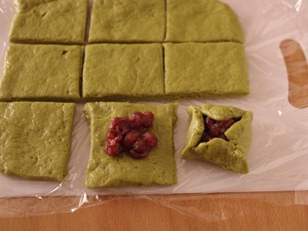 簡単ホットケーキミックスで和のおもてなしパン抹茶あずきパン05