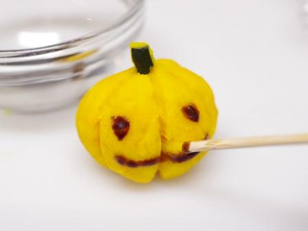 ハロウィンにかぼちゃで簡単可愛いジャックオランタン04