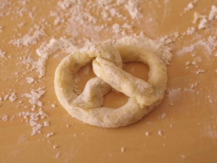 ホットケーキミックスで簡単焼きプレッツェル03