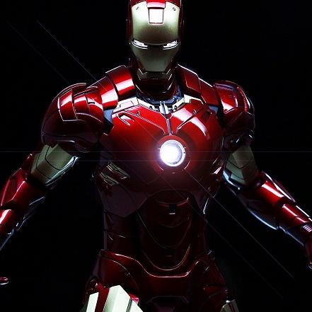 iron-man-suit-wallpaper-2048x2048_1d32a1b116b5d32cc517a83cc2a331b3_raw.jpg