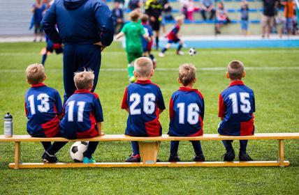 『ジュニア世代で「数人の上手い子だけを上でやらせる」はチーム全体レベルを上げるのか!?』 ~ 実はあなたのサッカー常識は間違っていた!?