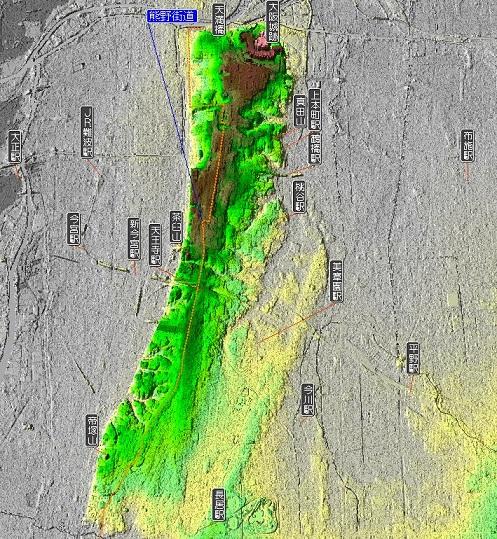 上町台地(緑色)の稜線部を旧熊野街道(橙色破線)が走る