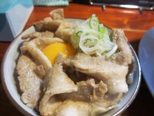 なおじ総本店 肉ソバ醤油 ライス (2)